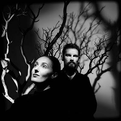 DEAD CAN DANCE - Lisa Gerrard & This MORTAL COIL- Liz Frazer  Dead_can_dance_trees-434